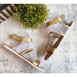 NWOT Breckelle's JOY-11 Gold Sandals, Sz 8.5